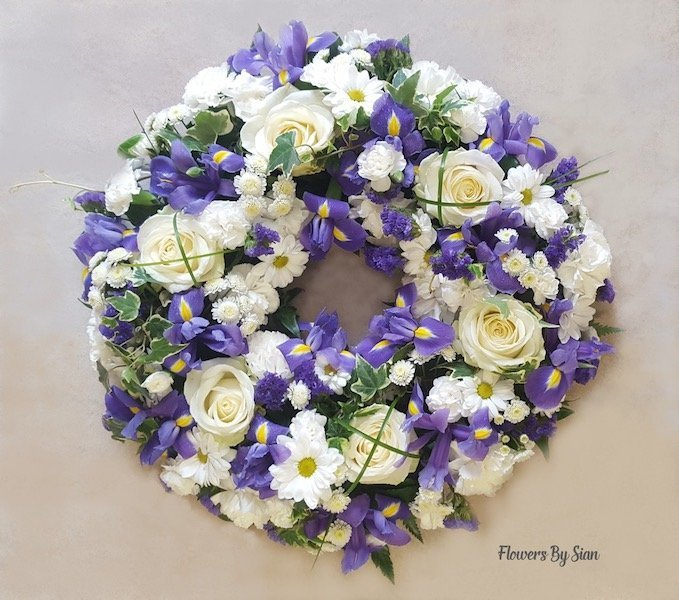 White Roses and Daisies Wreath
